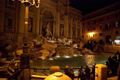 Picture of The Trevi Fountain in Rome - Rome map