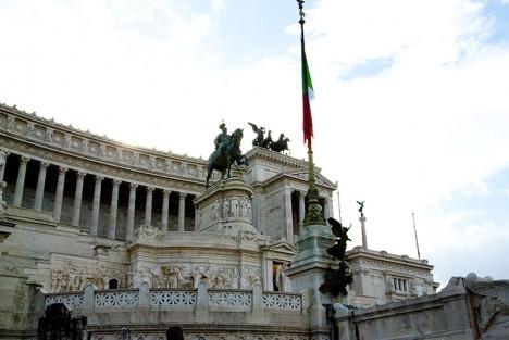 Victor_emanuelle-monument-rome-map